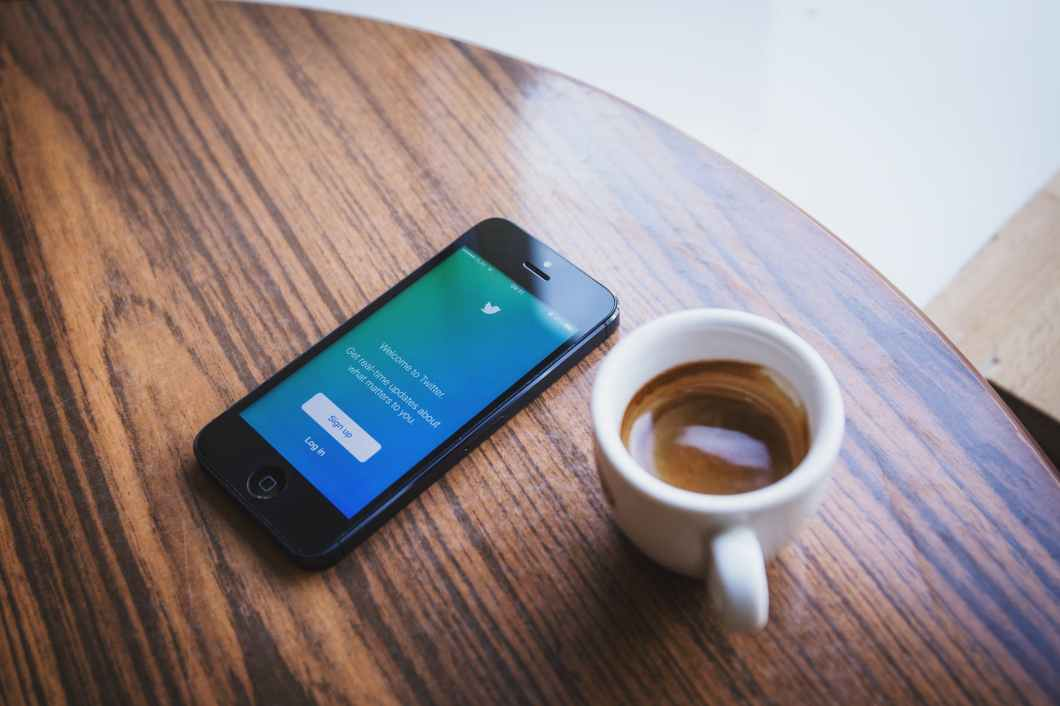 coffee smartphone twitter application
