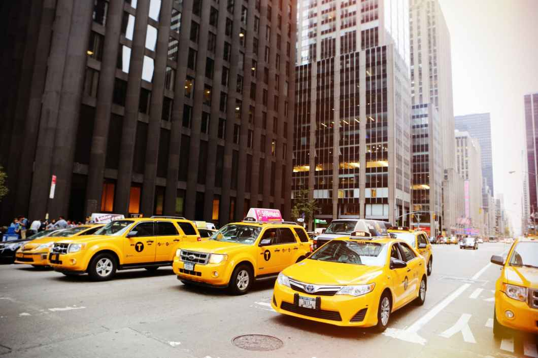 new york street cabs taxis