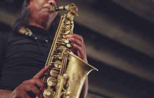 brass depth of field instrument jazz